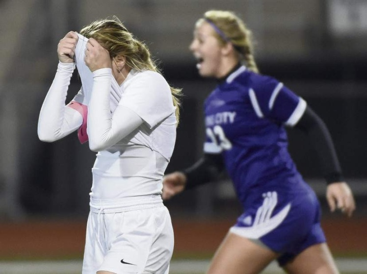 Greensburg Central Catholic girls lost for the first time against a Class A opponent since 2012. (Photo Courtesy Christopher Horner, Pittsburgh Tribune-Review)