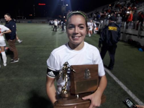 Delaney w trophy.jpg